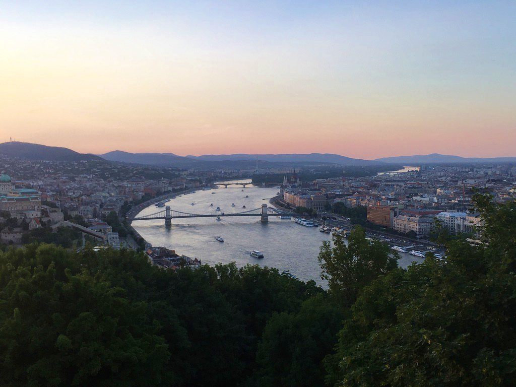 2 days in Budapest - Sunset at Gellért Hill - A weekend in Budapest