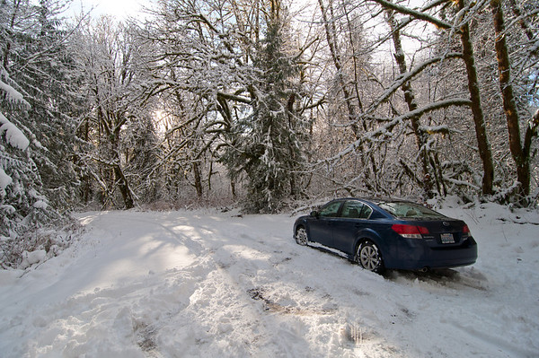2012-1-18  Snowshoeing