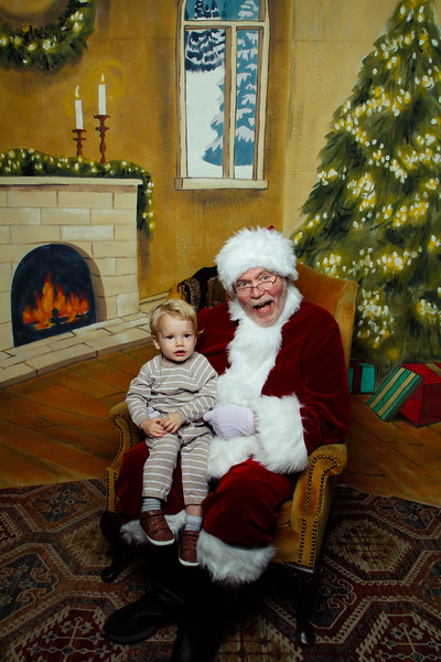 Pictures with Santa Earthbound 12.2.2017-104.jpg