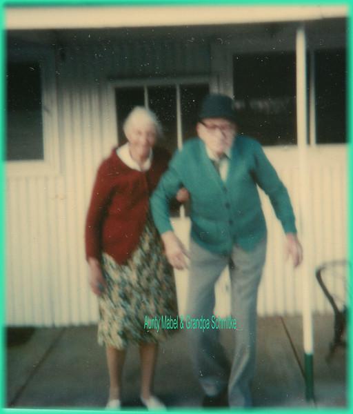 Aunty Mabel & Grandpa Schmitke0276.jpg