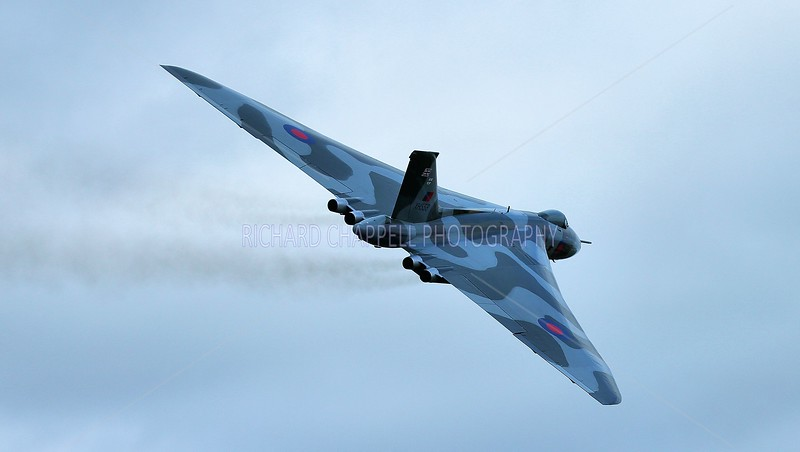 THE VULCAN XH558's TOUR OF COLD WAR AIR FIELDS