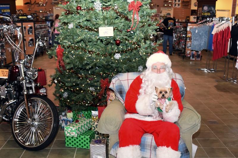 2014 Santa Visits J&P Cycles Florida Superstore (88).JPG