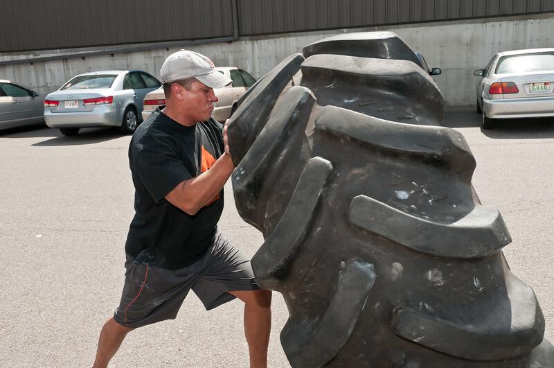 Strongman Saturday 4-14-2012_ERF4155.jpg