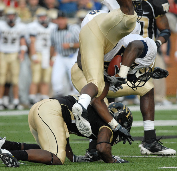Smith tackle.jpg