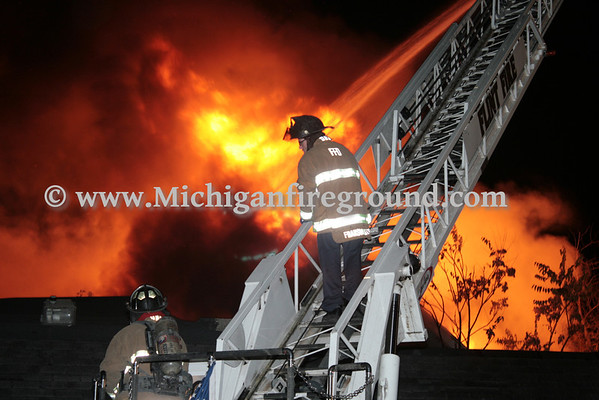10/30/13 - Flint house fire, Avenue A & Dayton St