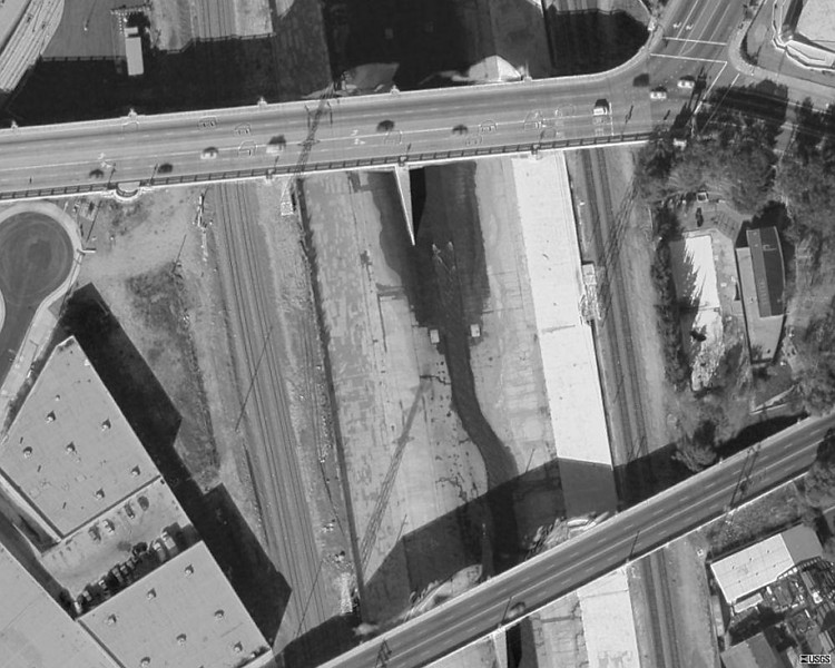 2005-sateliteView-river_amp_bridges.jpg