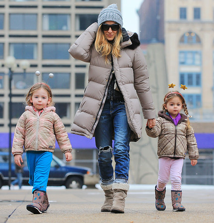 2013-01-28 - Matthew Broderick, Sarah Jessica Parker and Twins