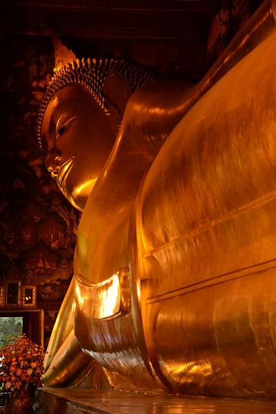 Reclining Buddha.jpg