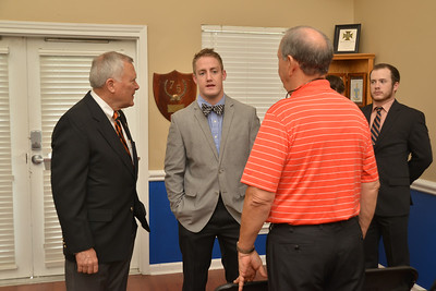 Gov. Deal Visits for Homecoming