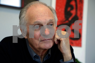 alan-alda-challenges-scientists-explain-sleep-to-kids