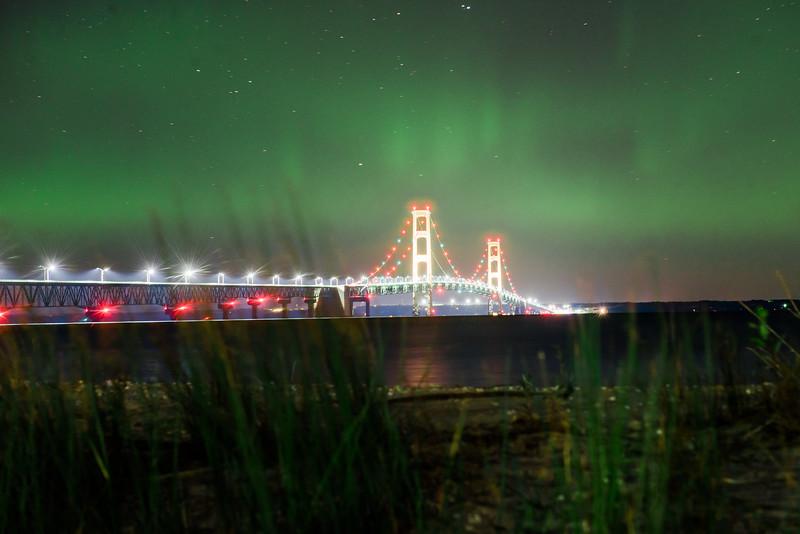 10-12-17 Macinaw Bridge northern lights 2.jpg