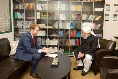 CNN Interviews Hazrat Khalifatul Masih V and Dr. Ahsanullah Zafar, Ameer Jamaat USA