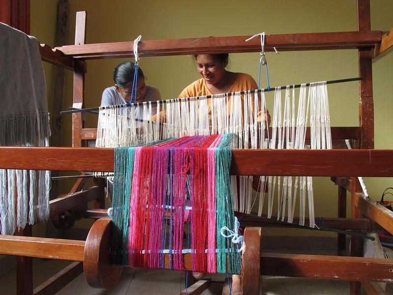Capacitación de mujeres en tejido - Centro de Morros Blancos - EDYFU.jpg