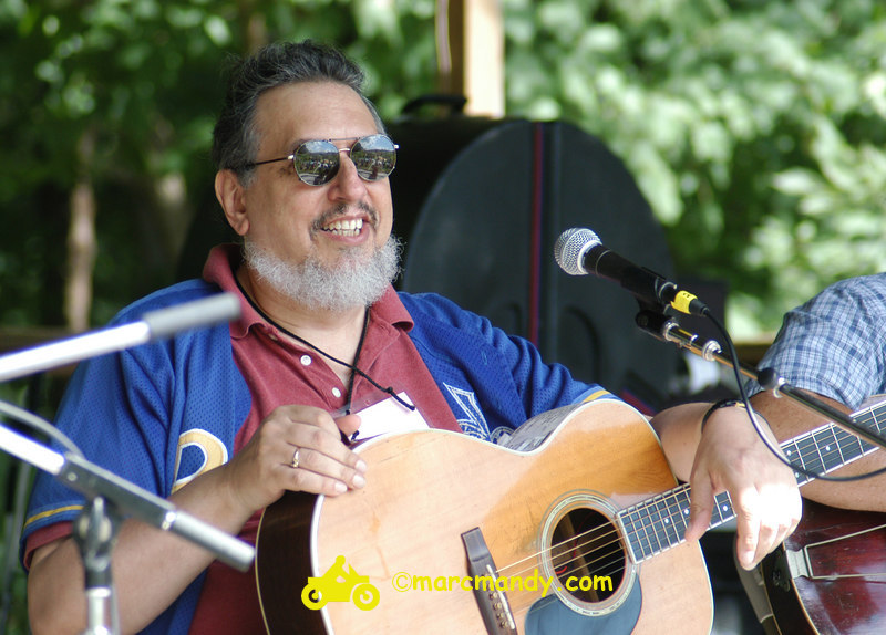 Phila Folk Fest- Sat 8-27 012 Guitar Styles Wkshp.JPG