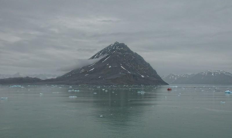 scenic cruising Liefdefd fjord  copy2.jpg