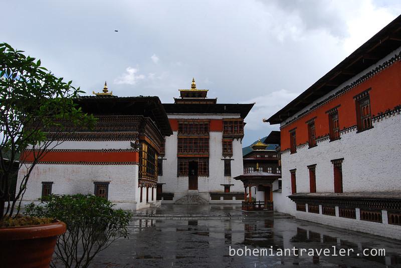 Tashichho Dzong in Thimphu Bhutan (2).jpg