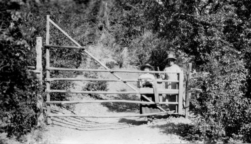 Gate to Ruppert Home.jpg