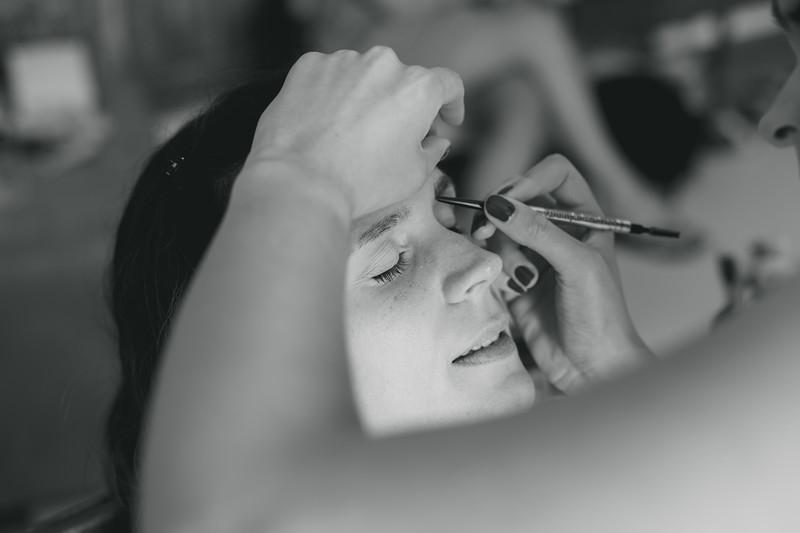 Bridal prep-31.jpg