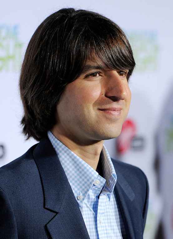 ". Demetri Martin arrives at the premiere of the film ""Take Me Home Tonight\"" in Los Angeles, Wednesday, March 2, 2011. (AP Photo/Chris Pizzello)"