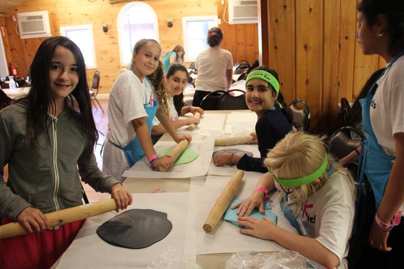 kars4kids_thezone_camp_GirlDivsion_workshops_CulinaryArts (45).JPG
