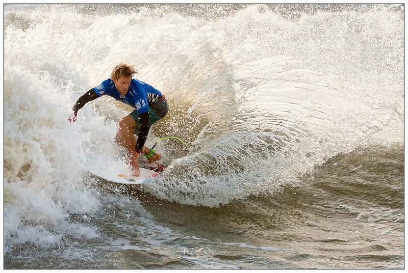 0_082414JTO_DSC_3209_Surfing--Vans Pro-Patrick Gudauskas-Winner Rd4 Heat 2.jpg