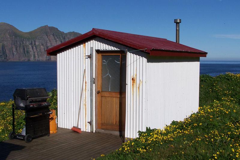 Hornvík - Horn. Hagerupshjáleiga - gufubaðið við Stígshús. 2005.
