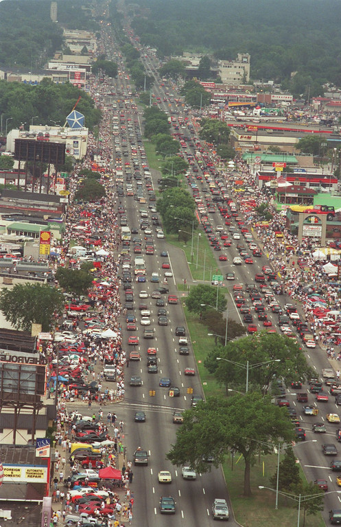 . Saturday afternoon, the Woodward Dream Cruise is in full swing as traffic fills both north and southbound Woodward Ave.  This is looking southbound toward Royal Oak from Birmingham area.