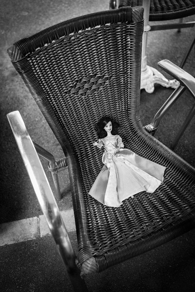 DOLL_ON_CHAIR_ST_GENIEZ_AVEYRON.jpg