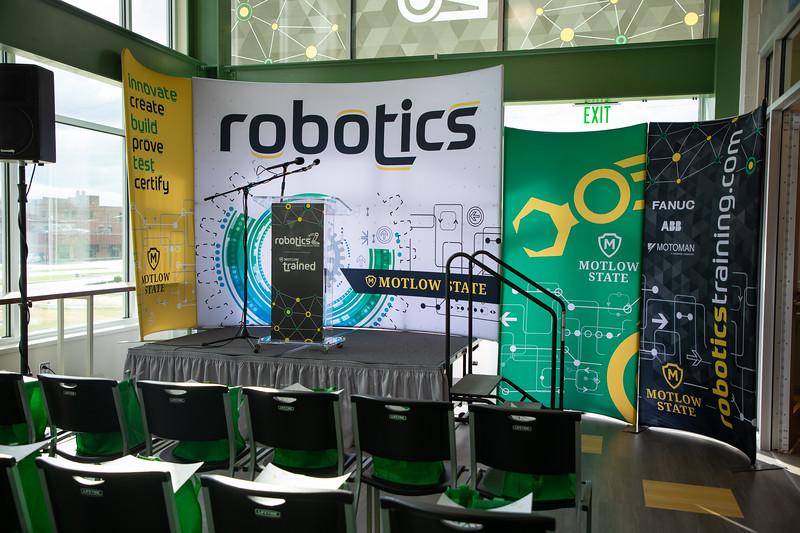 Robotics Grand Opening-8455.jpg