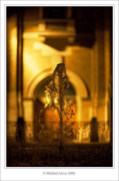 Liquid gold - fountain outside Bristol City Hall (68582908).jpg