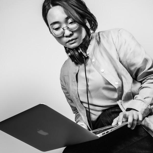 川人 千慧   作曲家、映画脚本家 Chiaki Kawahito   Composer, Screenwriter  Wiki: https://bit.ly/3kF6Rxr