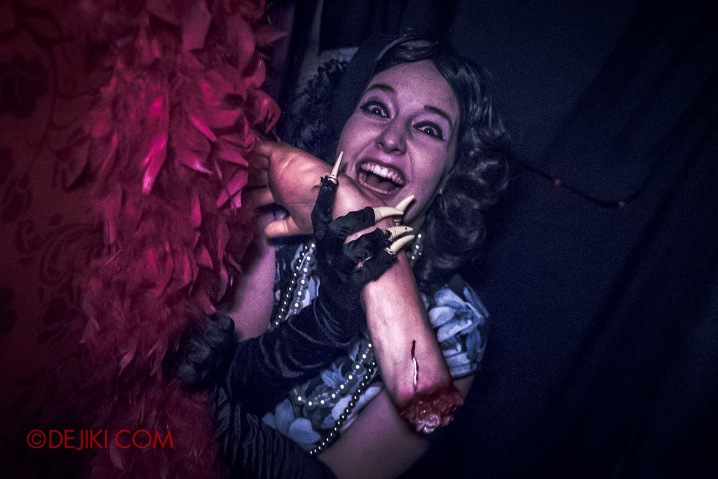 Halloween Horror Nights 6 - Hu Li's Inn / Hungry woman