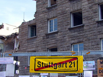 Teilweise Zerstörung des Denkmals Stuttgarter Hauptbahnhof (13.09.2010)
