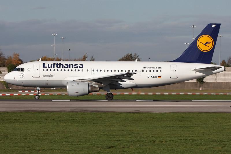 SkyMover_MAN06112010_Lufthansa_D-AILW.jpg
