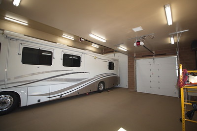 DELUXE RV GARAGE AND MORE - PHOENIX