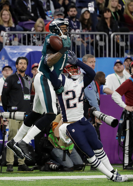 . New England Patriots cornerback Stephon Gilmore (24) breaks up a pass intended for Philadelphia Eagles wide receiver Alshon Jeffery (17), during the first half of the NFL Super Bowl 52 football game, Sunday, Feb. 4, 2018, in Minneapolis. (AP Photo/Chris O\'Meara)
