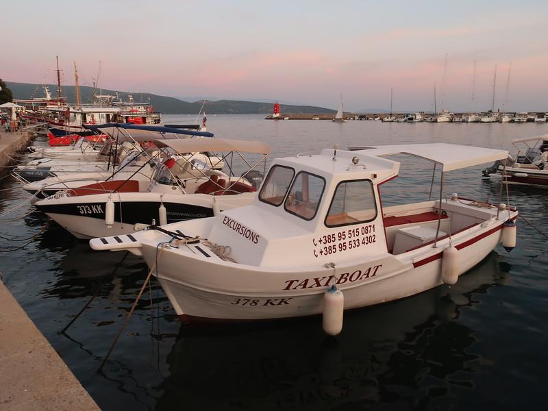 IMG_0963-taxi-boat.JPG