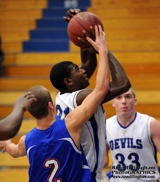 Action from 01/02/13 boys basketball game between LHS and Mt. Ararat in Lewiston.