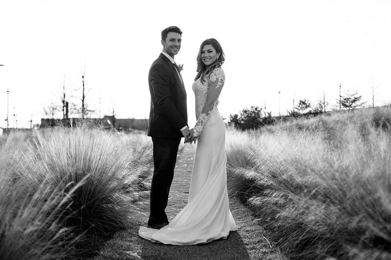Kate&Josh_B&W_ZACH.WATHEN.PHOTOGRAPHER-449.jpg