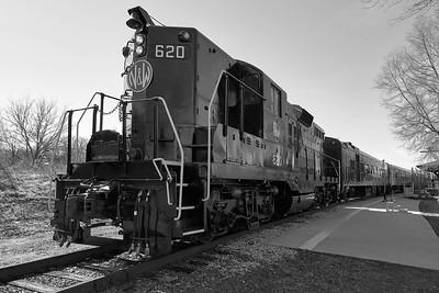 Trains: Leica Q2