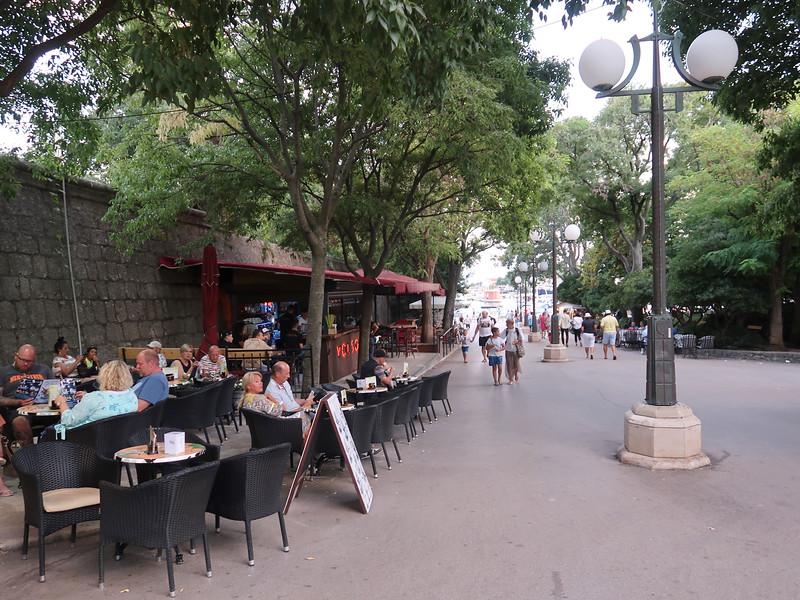 IMG_0962-cafes.jpg