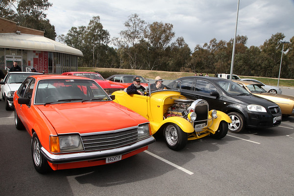 Riverina Thrashers Cruise For Clint - 2017.