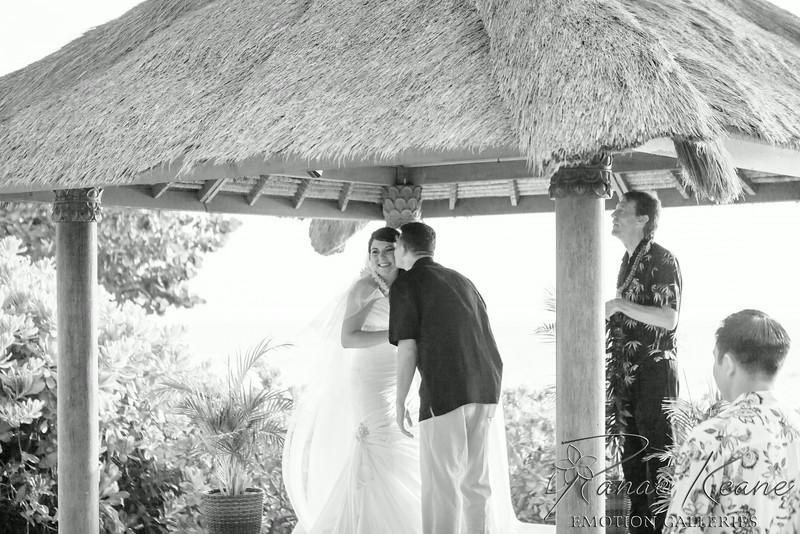 110__Hawaii_Destination_Wedding_Photographer_Ranae_Keane_www.EmotionGalleries.com__140705.jpg