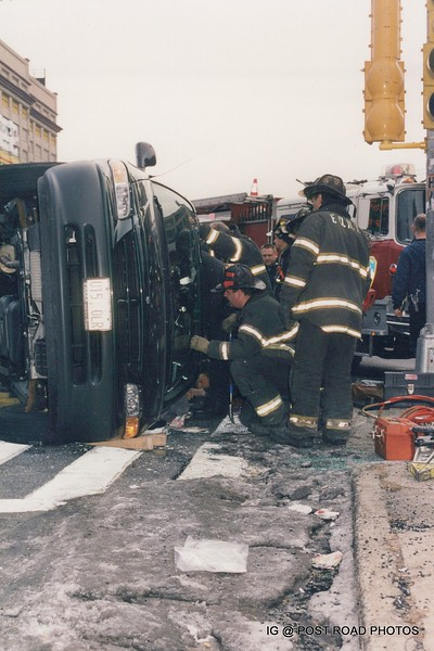 Rollover-with-extrication-brooklyn-flatbush-and-tillary-rescue-2-fdny