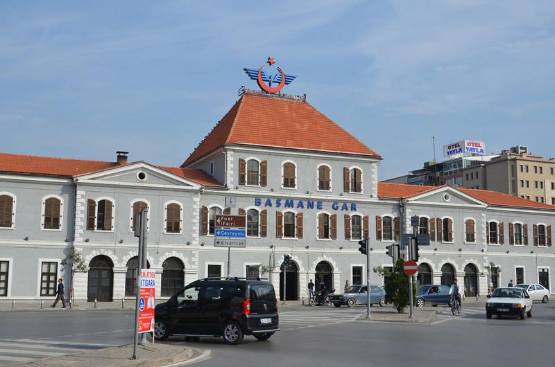 DSC_1927-basmane-train-station.JPG