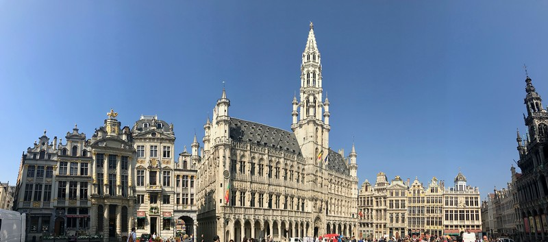 The Town Hall (dating from the 15th century) dominates the square - Brussels