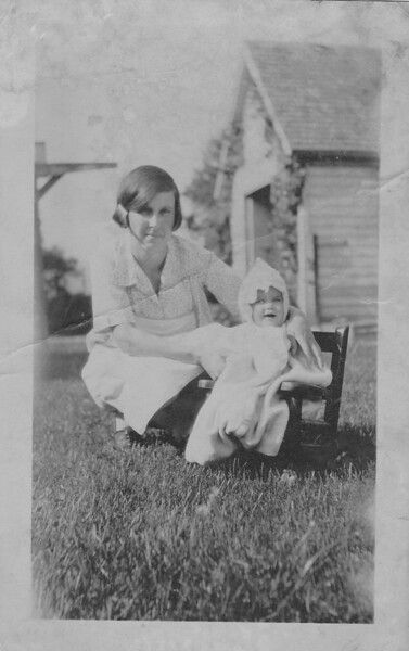 MOM Mary Grinstead Joyce Grinstead Owasso Michigan 1926 For Joyce Nancy Douglas Jeff bw scan cmx920.jpg