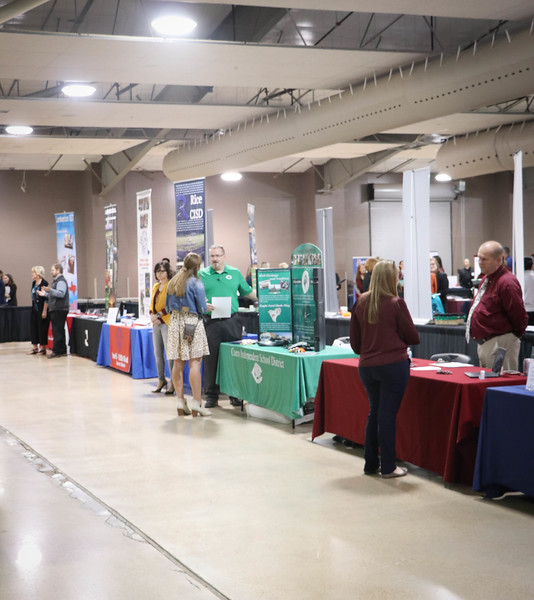 2019_EducationCareerFair-7.jpg
