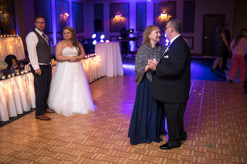 Amanda & Tyler Wedding 0820.jpg