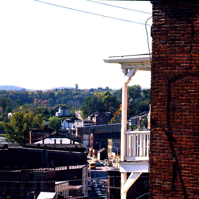 balconygalena.jpg